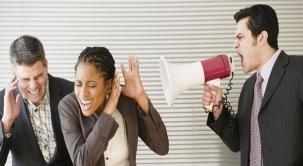 Cómo manejar a un jefe demandante